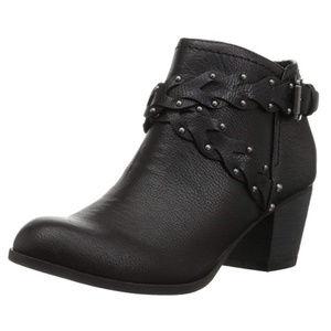 Indigo Rd. Sattie Ankle Boots